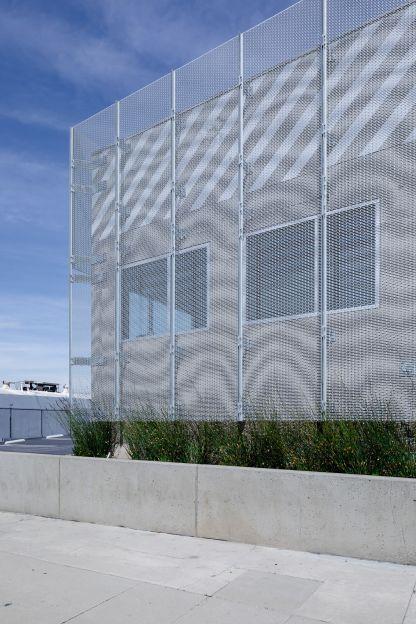 Holdrege Avenue Building Image